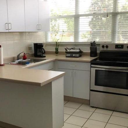 Rent this 3 bed condo on PR 00987