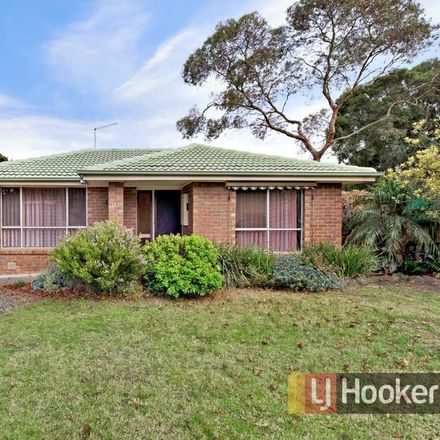 Rent this 3 bed house on 13 Oaktree Drive