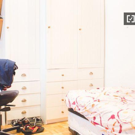 Rent this 2 bed apartment on Calle de María de Molina in 25, 28001 Madrid