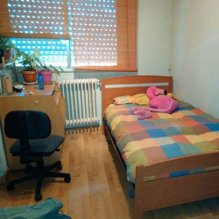 Rent this 3 bed room on Carretera de Ledesma in 110, 37006 Salamanca
