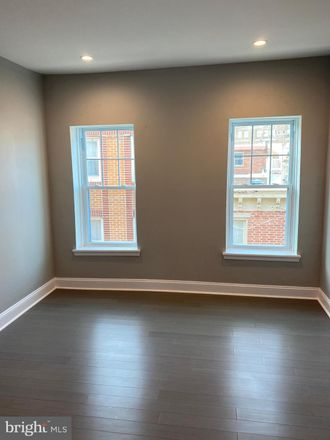 Rent this 3 bed townhouse on 917 South Fairhill Street in Philadelphia, PA 19147