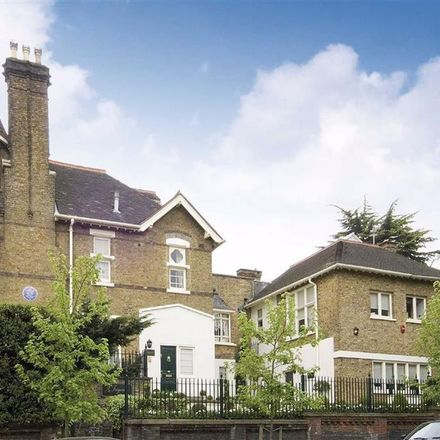 Rent this 4 bed house on 71 Frognal in London NW3 6XD, United Kingdom