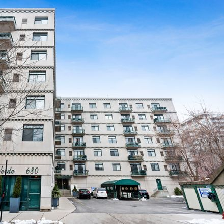 Rent this 2 bed condo on 680 North Green Street in Chicago, IL 60622