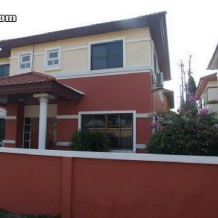 Rent this 3 bed house on Family Home in Pattaya Klang 10, Pattaya