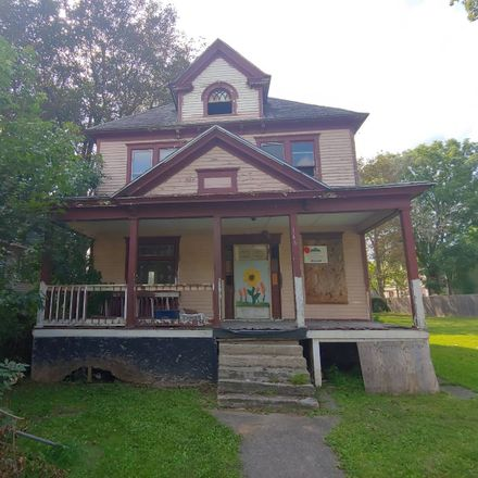 Rent this 3 bed house on 166 Palmer Avenue in Syracuse, NY 13204
