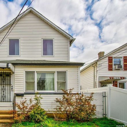 Rent this 3 bed house on 101 Kraemer Street in Hicksville, NY 11801