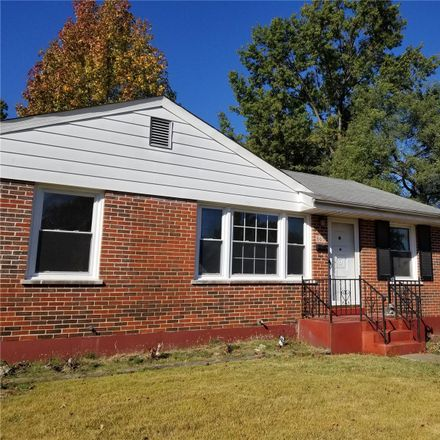 Rent this 3 bed house on 865 Saint Edith Lane in Florissant, MO 63031