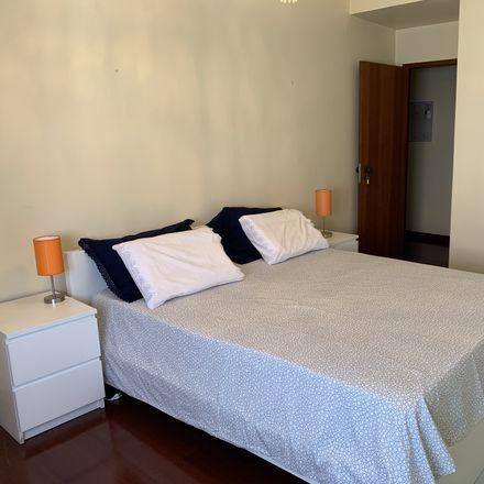 Rent this 4 bed room on R. Vasco da Gama in 2000 Santarém, Portugal