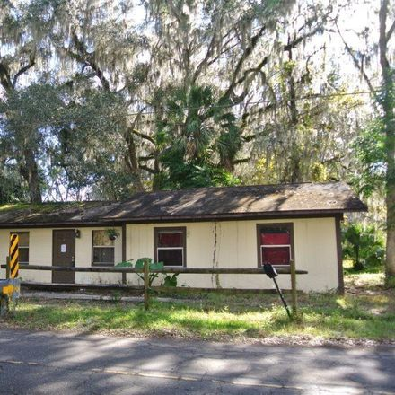 Rent this 2 bed house on NW 34th Pl in Lake Panasoffkee, FL
