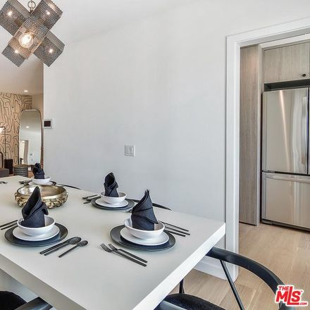 Rent this 2 bed condo on Colgate Ave in Los Angeles, CA