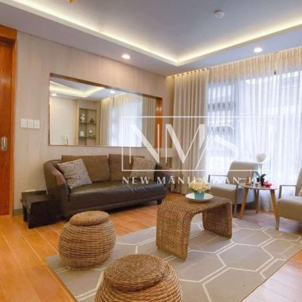 Rent this 5 bed townhouse on 7th in Mariana, 1112