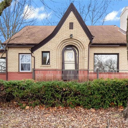 Rent this 3 bed house on N Florissant Rd in Saint Louis, MO