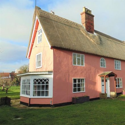 Rent this 3 bed house on Entry House in The Entry, Diss IP22 4NT
