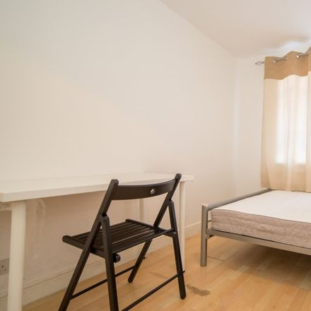 Rent this 5 bed apartment on Cissbury Road in London N15 5PU, United Kingdom