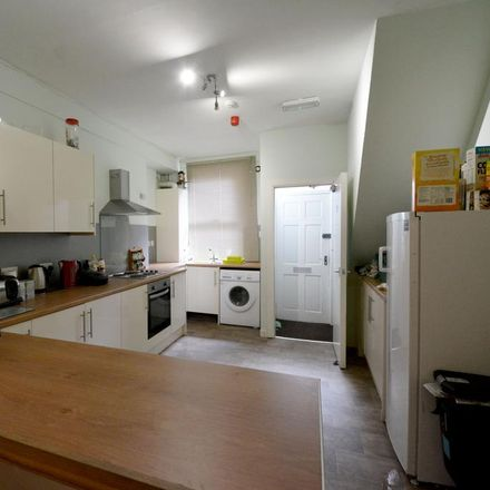 Rent this 6 bed room on Chiropody in Crookes Valley Road, Sheffield S10 1BA