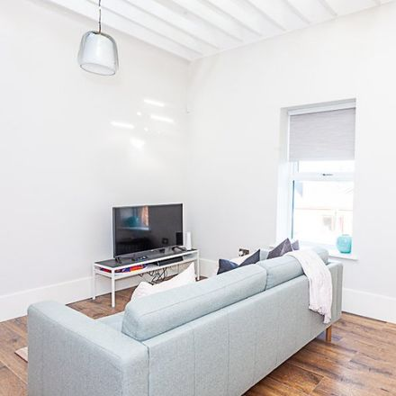 Rent this 3 bed apartment on 13 Grand Canal Street Lower in South Dock ED, Dublin