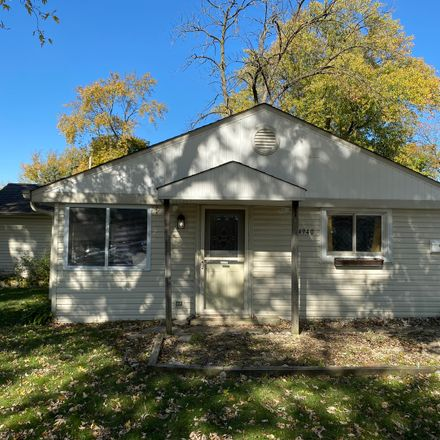 Rent this 3 bed house on 4940 Spring Road in Oak Lawn, IL 60453
