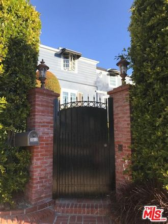 Rent this 3 bed house on Griffith Park Blvd in Los Angeles, CA