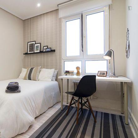 Rent this 5 bed room on Autonomia kalea / Calle Autonomía in 53, 48010 Bilbao