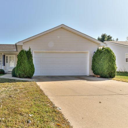 Rent this 3 bed house on 612 Brittany Drive in Champaign, IL 61822