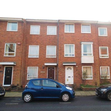 Rent this 4 bed room on Warblington Street in Portsmouth PO1 2ET, United Kingdom