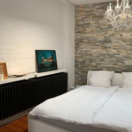 Rent this 1 bed apartment on Bogenstraße 11 in 20144 Hamburg, Germany