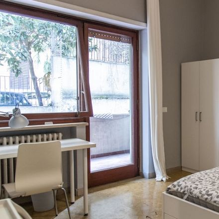 Rent this 4 bed room on 7Hills Store in Via Tolmino, 39