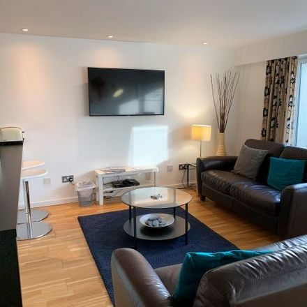 Rent this 3 bed apartment on 24 High Street in Glasgow, G1 1QF