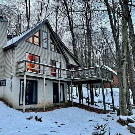 Rent this 3 bed loft on Playground Trl in Hawley, PA