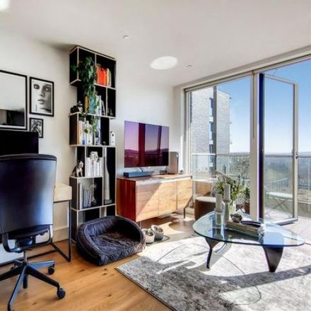 Rent this 1 bed apartment on Wallace Court (72-102) in Weigall Road, London SE3 9FD