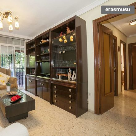 Rent this 3 bed apartment on Calle Argentario in 41008 Sevilla, Spain