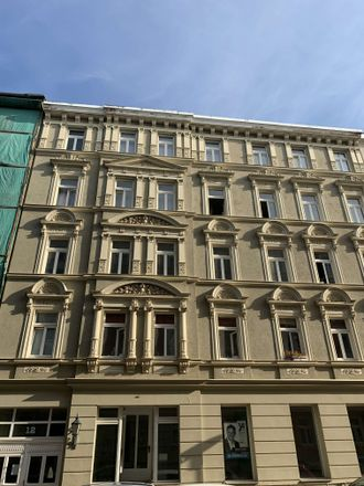 Rent this 2 bed apartment on Streiberstraße 12 in 06110 Halle (Saale), Germany