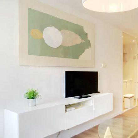 Rent this 1 bed apartment on Cines Princesa Salas 10-11 in Pasaje Martín de los Heros, 28001 Madrid