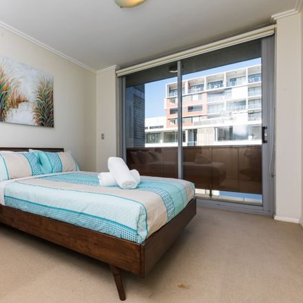 Rent this 2 bed apartment on 20/7  Bourke Street