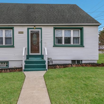 Rent this 3 bed house on 401 East Dutton Mill Road in Brookhaven, PA 19015