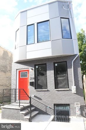 Rent this 3 bed townhouse on 2707 Oakford Street in Philadelphia, PA 19146