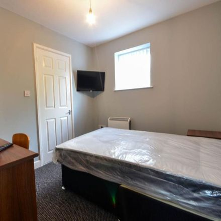 Rent this 1 bed room on Oxfam in Smithdown Road, Liverpool L15 5AF