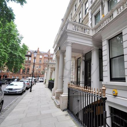 Rent this 1 bed apartment on Ashburn Gardens in London SW7 4DG, United Kingdom
