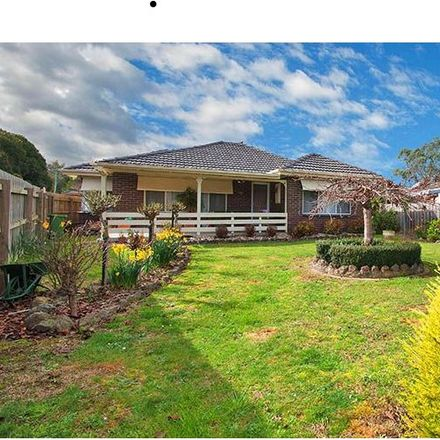 Rent this 3 bed house on 76 Greenslopes Drive