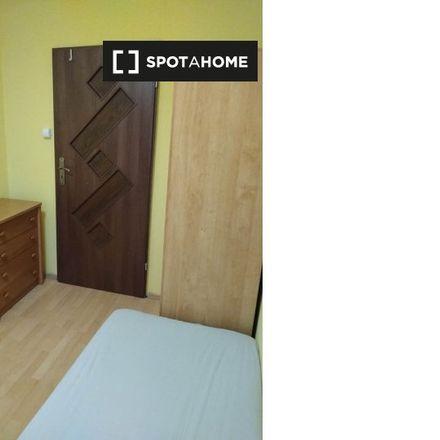 Rent this 3 bed room on Generała Władysława Sikorskiego 32 in 40-017 Katowice, Poland
