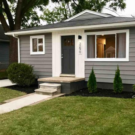 Rent this 3 bed house on 3290 Oakshire Avenue in Berkley, MI 48072