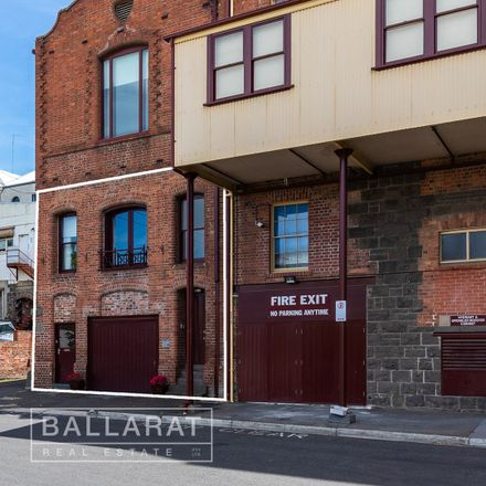 Rent this 3 bed apartment on 1/120 Lewis Street
