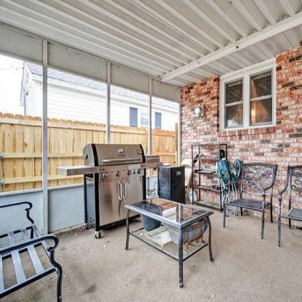 Rent this 3 bed house on 472 West Division Street in Mount Vernon, MO 65712