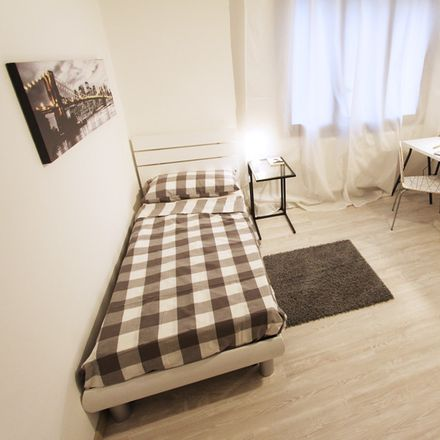 Rent this 5 bed room on Via Bissuola in 95, 30173 Venezia VE