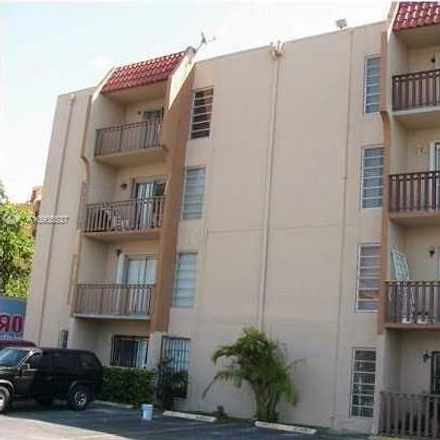 Rent this 2 bed condo on NW 7th St in Miami, FL