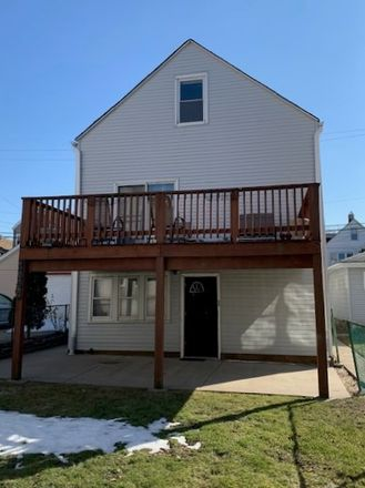 Rent this 5 bed duplex on 3035 West 39th Place in Chicago, IL 60632