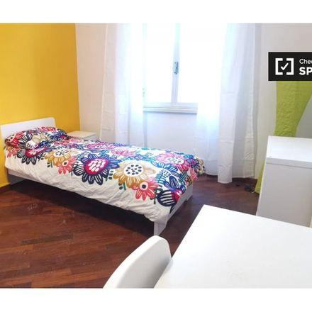 Rent this 5 bed room on Eritrea/Lago Lesina in Viale Eritrea, 00199 Rome RM