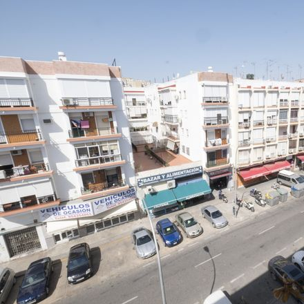Rent this 2 bed room on Calle Almadén de la Plata in 41008 Seville, Spain