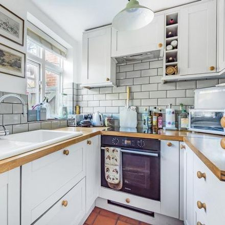 Rent this 2 bed house on Midholm in Falloden Way, London NW11 6LG