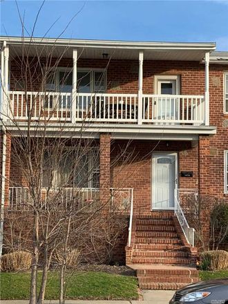 Rent this 3 bed apartment on W Olive St in Long Beach, NY